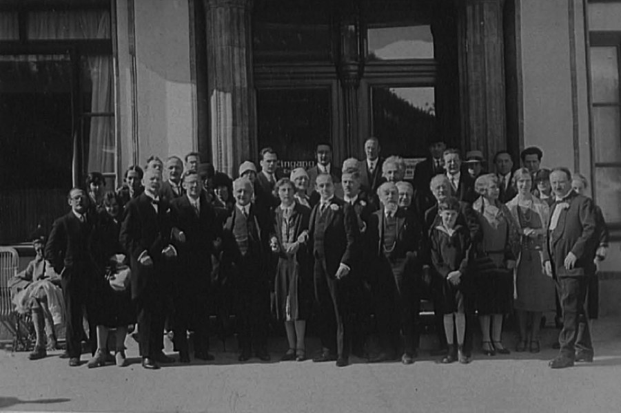 1928 – Entre autres : Fritz Medicus (philosophie, Zürich), Paul Tillich (théologie, Dresde), Franz Oppenheimer (sociologie, Francfort), Gottfried Salomon (sociologie, Francfort), Albert Einstein (physique, Berlin) et Jean Piaget (psychologie, Neuchâtel).